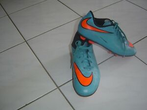Nike Hypervenom Soccer Shoes - Size 4.5 - cleats