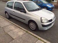 Renault Clio 1.2 petrol £300