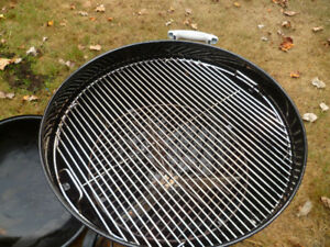 WEBER MASTER TOUCH 22 INCH CHARCOAL BBQ KETTLE GRILL COMBO