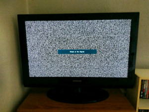 "Samsung 32"" LCD Flat Screen TV"