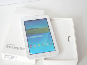 "Samsung Tablet E 7"" Quad Core WiFi SM-T113NDWAXAR"