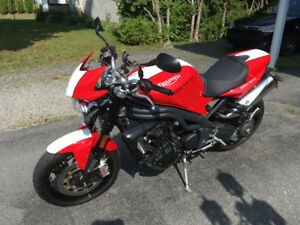 Triumph Speed Triple 2011 SE (Special Edition)