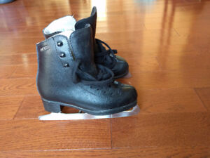 GAM boy's figure skates (leather) - Youth size 13 - $30