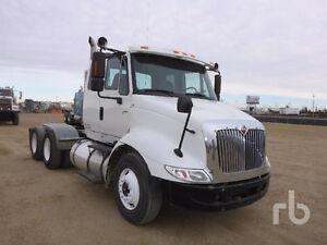 2005 INTERNATIONAL 8600 T/A Sleeper Truck Tractor Edmonton Edmonton Area image 6