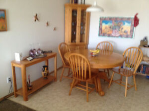 Soli Oak Saskatchewan Made Dining Set