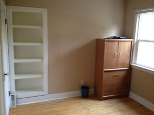 ROOM FOR RENT, CLOSE TO NAIT & COLISIUM STATION