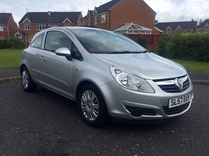 1 2 vauxhall corsa 2007 silver low milage in cramlington northumberland gumtree. Black Bedroom Furniture Sets. Home Design Ideas