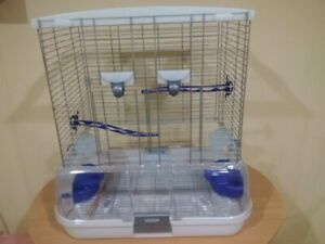 VISION CAGE AND ACCESS. USED ONLY 2 MONTHS
