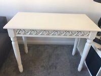Stunning white table lovely detail
