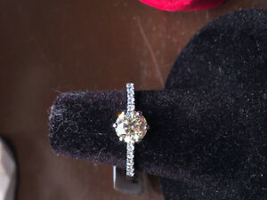 New 0.94Crt Diamond RING FOR SALE