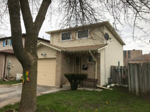 PRICE DROP SINGLE FAMILY HOME OR GREAT INVESTMENT PROPERTY