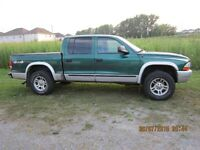2003 Dodge Dakota SLT Pickup Truck
