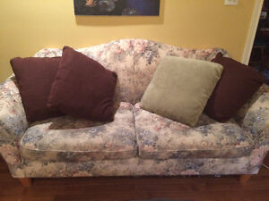Couch and matching loveseat FREE London Ontario image 2