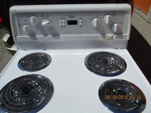 WHIRLPOOL ELECTRIC STOVE VERY CLEAN
