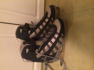 Softech women's figure skates size 5 Great condition soft tech