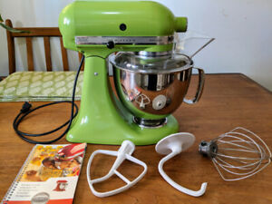 KitchenAid Artisan 5-Quart Stand Mixer Green Mint Condition