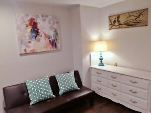 Clean Furnished Short-term room rental in Niagara-on-the-Lake