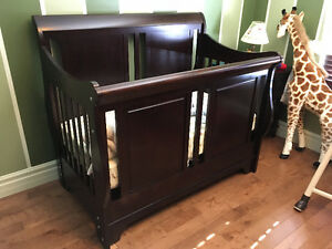 Presque neuf, mobilier de chambre de bébé/jeune enfant (4 mcx)
