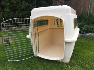 Petmate Dog Carrier 32in x 24 in