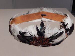 feather hat band about 6.75 inches in dia.