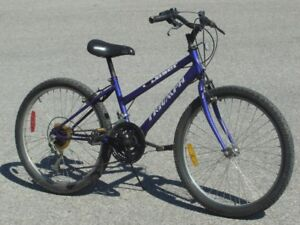 """FEMALE'S YOUTH SIZE 24"""" TRIUMPH DASER 15 SPEED MTB ONLY $75.00"""