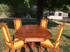 Solid maple table set
