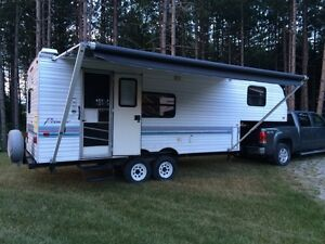 5th Wheel camping trailer