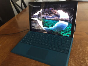 Microsoft Surface Pro 4 128GB with keyboard
