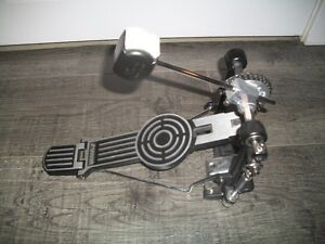 Sonor bass drum pedal with a pearl duo beater