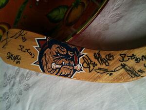 AHL 2001 Hamilton Bulldogs Hockey Stick Signed by the team! Boug Kitchener / Waterloo Kitchener Area image 8