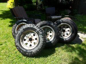 "15"" Heavy Duty Light Truck Snow Tires and Rims - LT215/ 75 / R15"