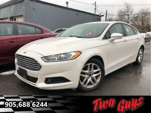 2015 Ford Fusion SE  New Tires| Sunroof | MyFord Touch