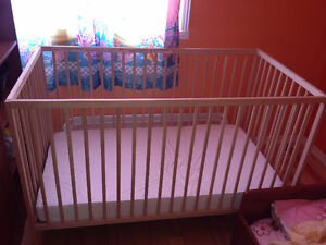 Crib,Kid's Bed In Very Good Cond Like New
