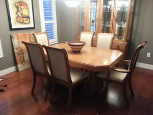 Extendable table set + Wood showcase! London Ontario image 1