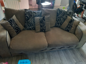 Two piece Suite, 3 seater and 2 seater, excellent condition