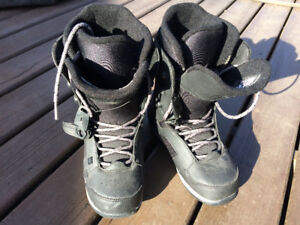 Snowboard Boots - Excellent condition