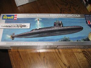Revell Polaris Submarine Abraham Lincoln 1/253 Model Kit