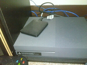 Xbox ONE S with extra controller 500GB Negotiable