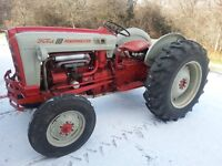 1960 Ford 861 Tractor