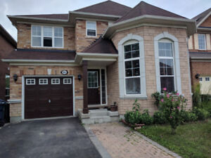 Big house for rent close to GO Train, TTC bus, Rouge River, UTSC