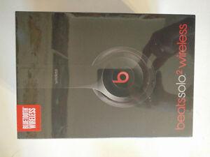 Beats Solo 2 Wireless Headphones - Brand New Cambridge Kitchener Area image 3