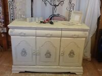 SHABBY CHIC STYLE SIDEBOARD CUPBOARD
