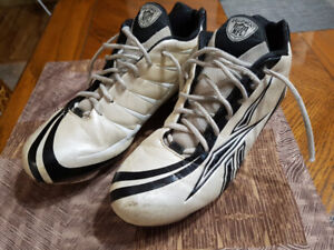 3a4a3457b2fe Buy or Sell Football Equipment in Regina | Sporting Goods & Exercise ...