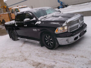 2016 Dodge Ram LARAMIE 1500 4x4 CREW CAB (NON REPAIRABLE)