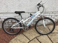 Girls mountain bike age 8-12 Claud Butler Safari