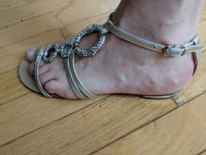 Nine West Silver Crystal Bling Sandals Size 8