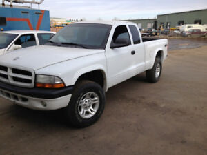 2003 DODGE DAKOTA Sport 4 x 4  $4,600.00