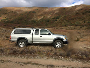 2004 Toyota Tacoma extracab TRD Pickup Truck