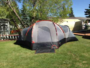 Roots 8 person Pineridge tent $250 OBO