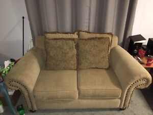 Couch for sale (new condition)